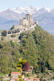 Sacra di San Michele abbotskloster i nordliga västra Italien Arkivfoto