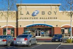 SACRAMENTO, EUA - 21 DE DEZEMBRO:   Entrada da loja do La-Z-menino em Dece Imagem de Stock Royalty Free
