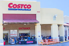 SACRAMENTO, USA - 19. SEPTEMBER: Costco-Speicher am 19. September, 20 Stockfotografie