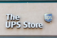 SACRAMENTO, USA - 13. SEPTEMBER: Der UPS-Speicher am 13. September, 2 Lizenzfreie Stockbilder