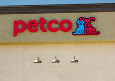 SACRAMENTO USA - SEPTEMBER 5: Petco lagertecken på September 5, Arkivbilder