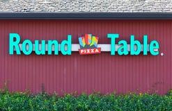 SACRAMENTO USA - SEPTEMBER 13: Pizzaplats för rund tabell på Septem Arkivfoton