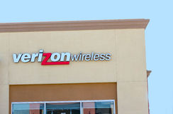SACRAMENTO, USA - SEPTEMBER 13: Verizon wireless store on Septem Stock Photography