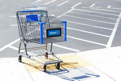 SACRAMENTO, USA - SEPTEMBER 13: Walmart shopping cart on Septemb Stock Photography