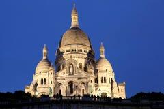 Sacre-Coeur大教堂在平衡的巴黎 免版税库存照片