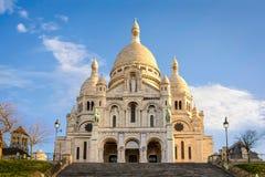Sacre-Coeur大教堂在蒙马特,巴黎日出的 图库摄影