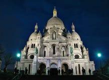 Sacre-Coeur basilika efter solnedgång royaltyfri fotografi