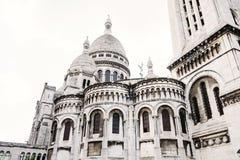 Sacre Coeur basilika på den Montmartre kullen Arkivfoto