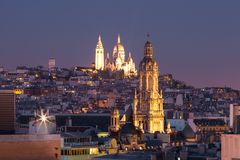 Sacre-Coeur basilika på natten i Paris, Frankrike Royaltyfria Foton