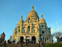 Sacre-Coeur basilika på skymning Arkivfoton