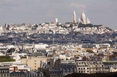 Sacre Coeur che torreggia sopra Parigi Immagine Stock Libera da Diritti