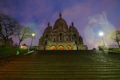 Sacre coeur lub bazylika Święty serce Paryż po deszczu przy świtem Obrazy Royalty Free