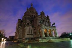 Sacre coeur lub bazylika Święty serce Paryż po deszczu przy świtem Zdjęcie Royalty Free