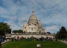 Sacre Couer大教堂在10月下旬,蒙马特,巴黎的门面 免版税库存照片