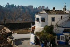 Sacromonte Road Camino del Sacromonte 阿尔罕布拉宫在背景中 免版税图库摄影