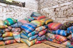 Sacs de café colorés Photos libres de droits