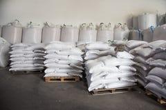 Sacs de farine en stock image stock