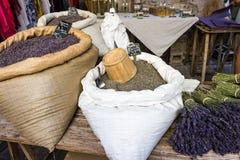 Sacs de lavande entière de grain Photographie stock