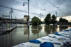 Sacs de sable à l'inondation photographie stock libre de droits