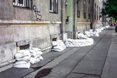 Sacs de sable à l'inondation photos libres de droits
