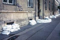 Sacs de sable à l'inondation Images stock