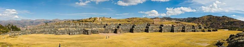 Sacsayhuaman非常非常宽全景射击 免版税库存照片