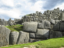 Sacsayhuaman, Incas-ruïnes in de Peruviaanse Andes in Cuzco Royalty-vrije Stock Foto