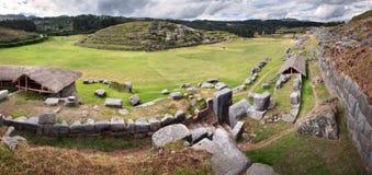 Sacsayhuaman, ruínas do Inca nos Andes peruanos perto de Cuzco, Peru Fotografia de Stock Royalty Free