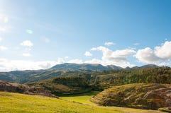 Sacsaywaman fördärvar i den sakrala dalen, Peru Arkivbild