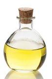 Sacuda con aceite en blanco en un fondo blanco Imagen de archivo