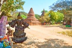 Sacudiéndose en el viento, Bagan, Myanmar Imágenes de archivo libres de regalías