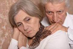 Sad elder couple Royalty Free Stock Photos