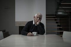 SAD pensionär för fördjupningssorgman Royaltyfri Fotografi