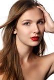 Saúde, beleza, wellness, haircare, cosméticos e composição Penteado bonito da forma Modelo da mulher com cabelo longo reto brilha Foto de Stock