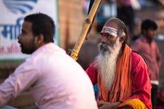 Sadhu of Baba heilige mens op ghats van de rivier van Ganges Stock Foto's
