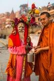Sadhu of Baba heilige mens op ghats van de rivier van Ganges Royalty-vrije Stock Afbeeldingen