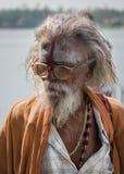 Sadhu eller helig man med skjortan Arkivfoton