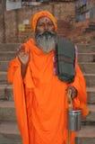 Sadhu (hombre santo) en Varanasi, la India fotografía de archivo