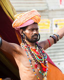 Sadhu med pärlor Royaltyfria Bilder