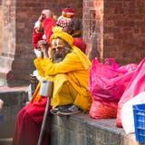 Sadhu Monks desconocido que se sienta en el cuadrado de Durbar Foto de archivo libre de regalías