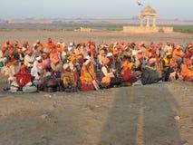 Sadhu nära den Rukmani templet fotografering för bildbyråer