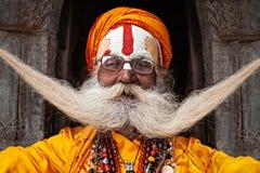 Sadhu på den Pashupatinath templet Arkivfoto