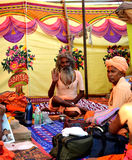 Sadhus indù con i dreadlocks e abbigliamento dello zafferano al mela Ujjain India del kumbh di Maha del simhasth Immagine Stock Libera da Diritti