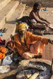 Sadhus två i Varanasi Royaltyfria Bilder
