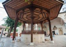 Sadirvan (фонтан омовений) стоковая фотография rf