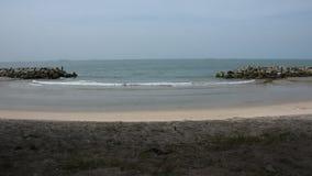 Saeng Chan Beach in Rayong, Tailandia archivi video