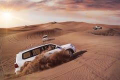 Safari de désert avec SUVs Images libres de droits