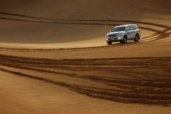 Safari del jeep en las dunas de arena Foto de archivo libre de regalías