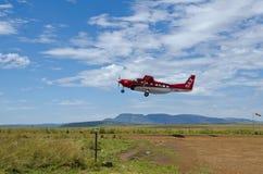 Safarien luftar uttryckligt hyvlar Arkivbilder