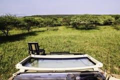 Safarivoertuig bij het Nationale Park van Kruger royalty-vrije stock afbeelding